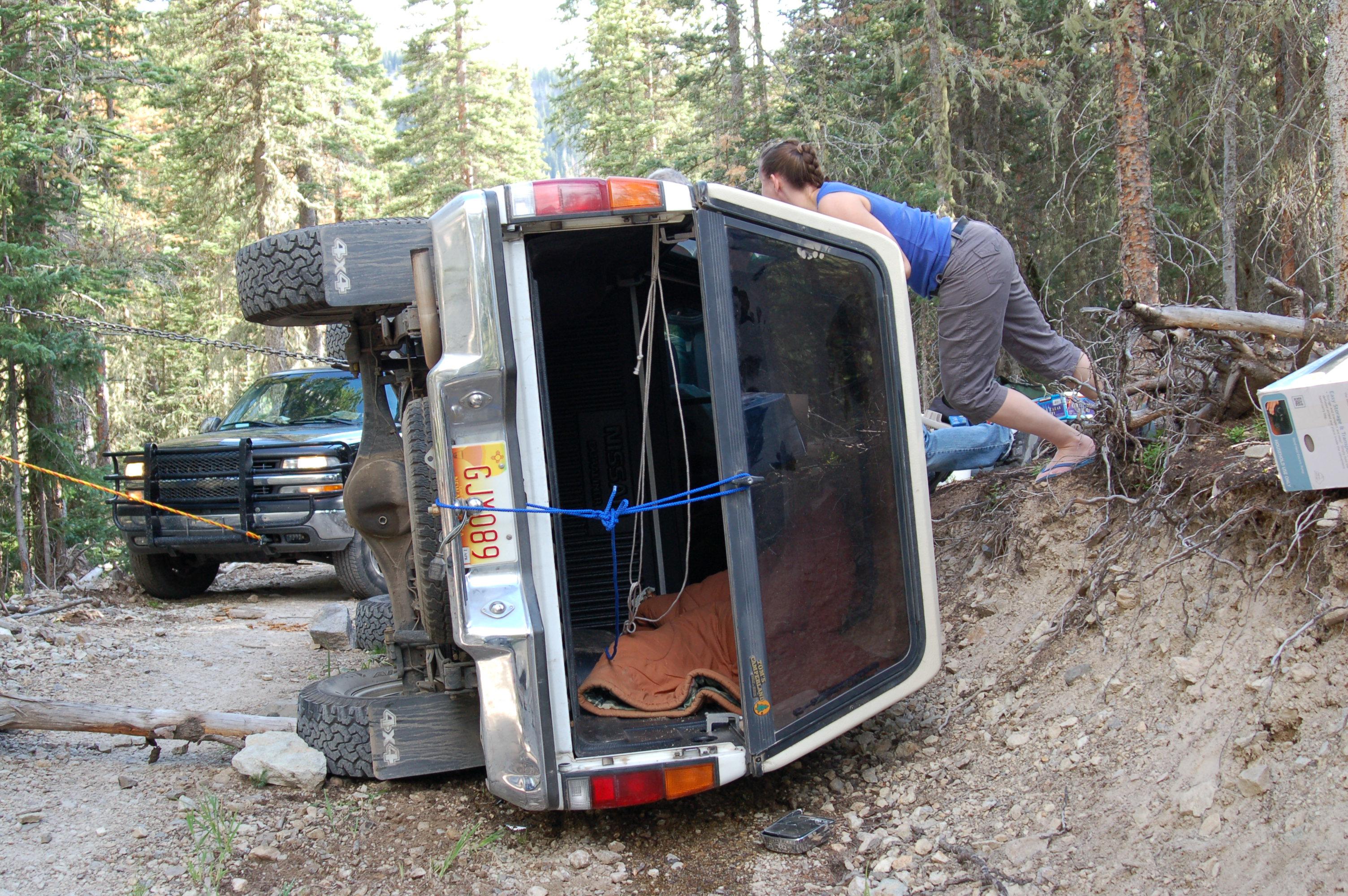 fantabulouswomen.com truck turned over