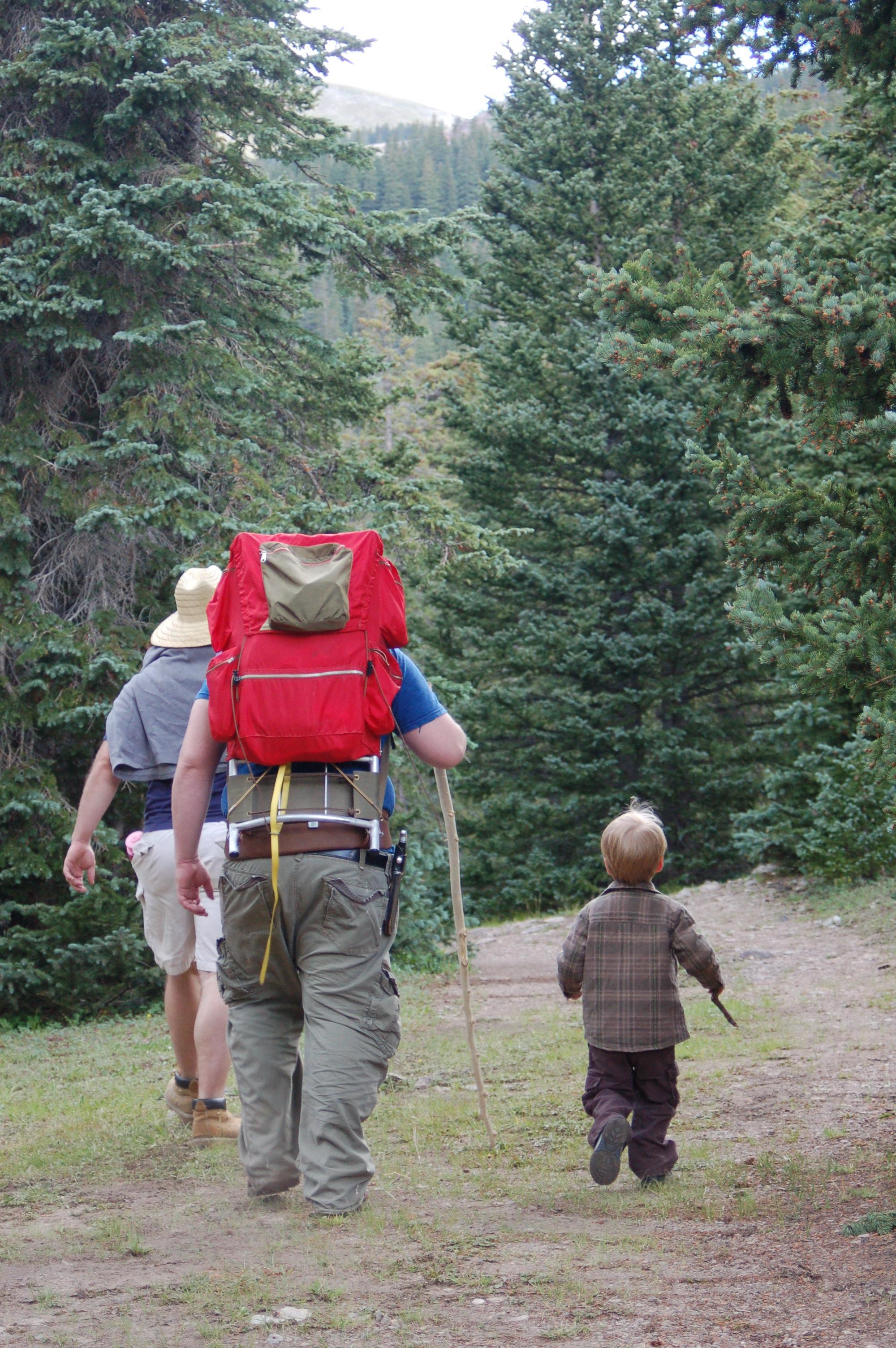 fantabulouswomen.com leaving for hike