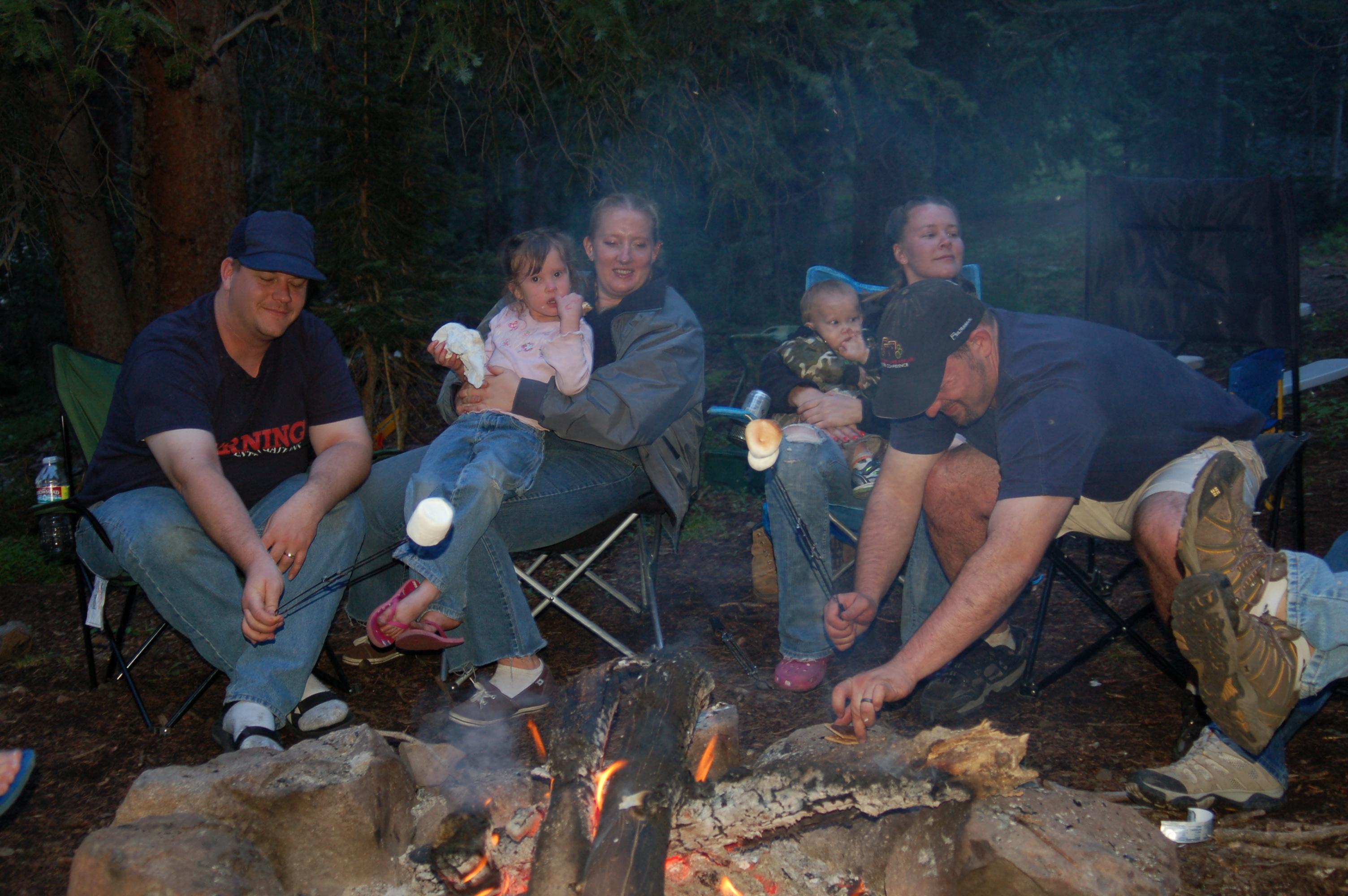 fantabulouswomen.com family by the fire